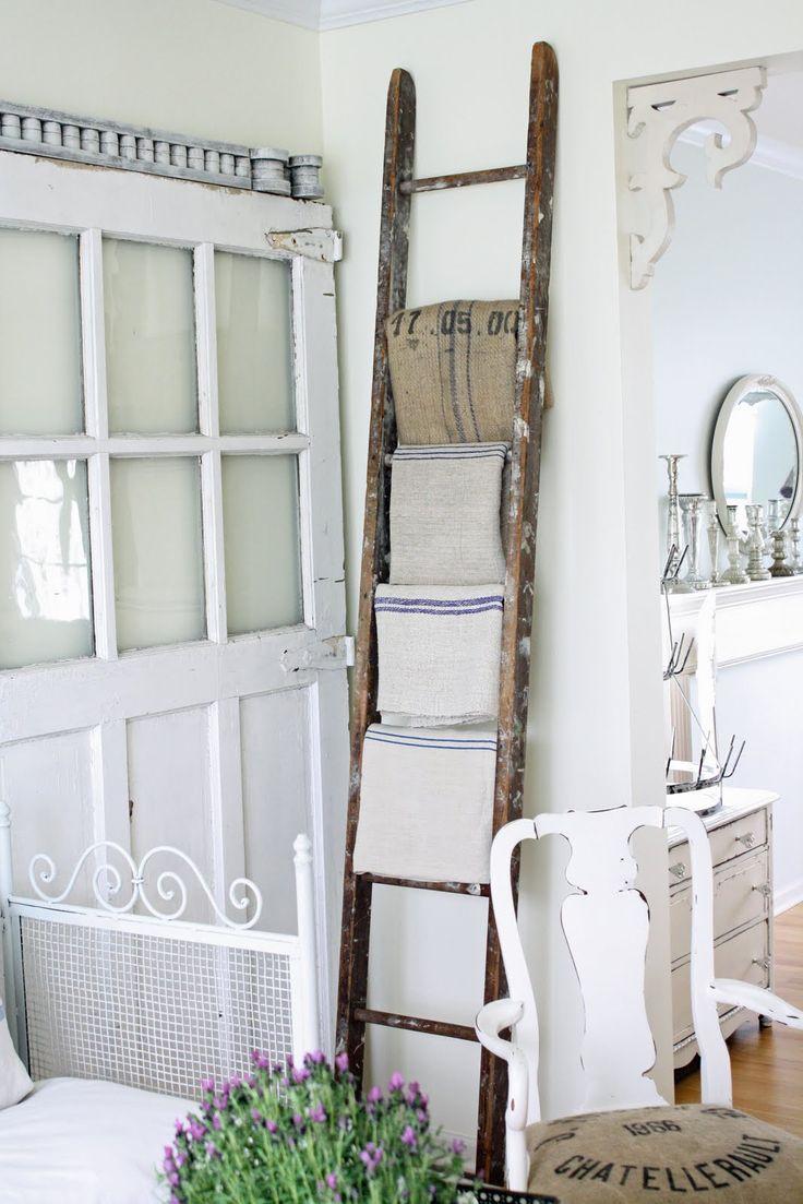 Bathroom shelf and towel rail - Decoratieve Ladders Bobbie S Home