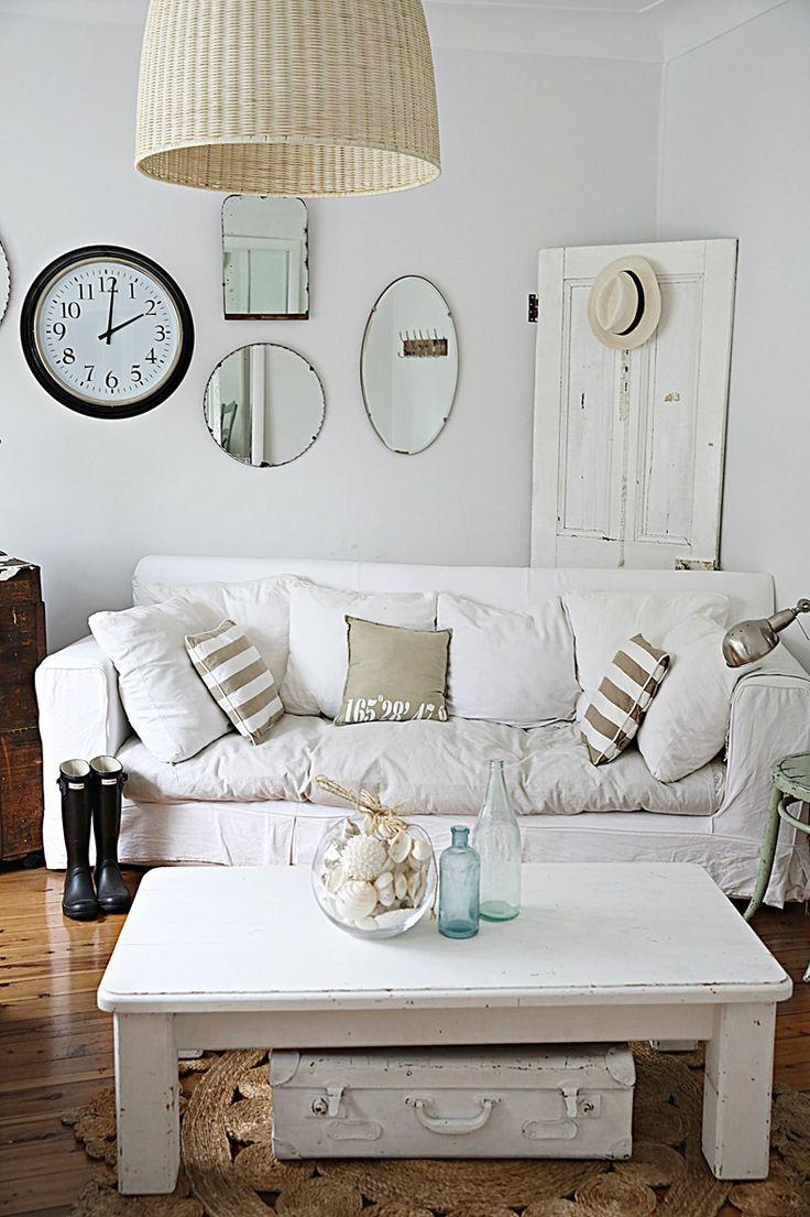 spiegeltjes aan de wand bobbie 39 s home. Black Bedroom Furniture Sets. Home Design Ideas
